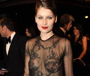 Laetitia Casta topless sexy et transparente aux César 2010