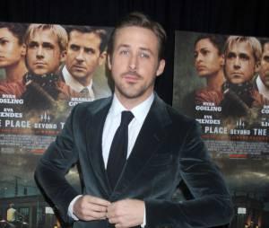 Ryan Gosling disctute avec son chien sur Skype