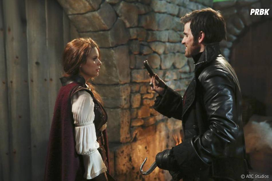 Once Upon a Time saison 3, épisode 17 : Ariel vient en aide à Hook