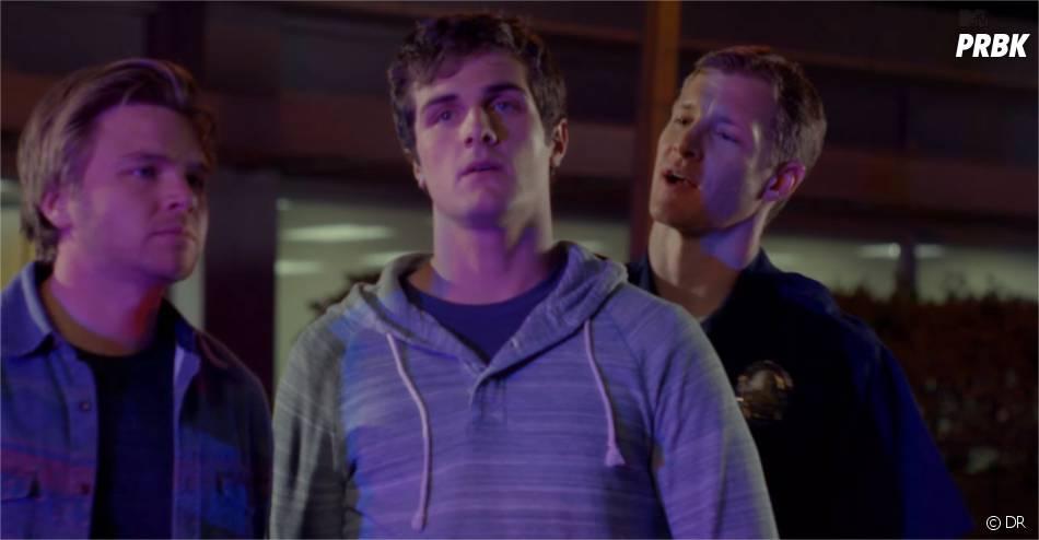 Awkward saison 4 : Matty arrêté par la police