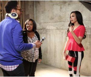 Glee saison 5, épisode 18 : Mercedes et Santana sur une photo