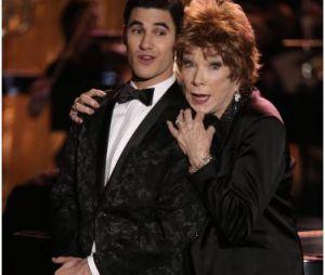 Glee saison 5, épisode 20 : Darren Criss et Shirley MacLaine en duo