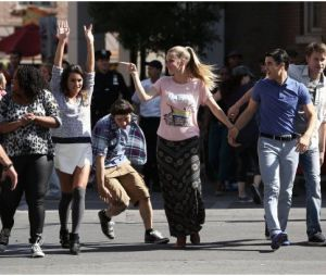 Glee saison 5, épisode 20 : le cast s'éclate à New York