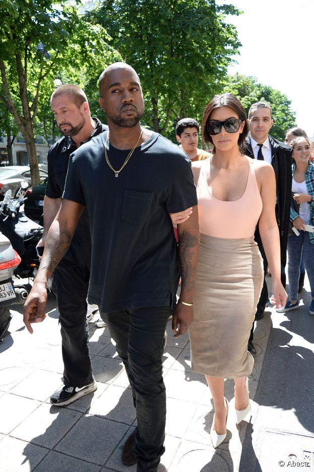 Kim Kardashian et Kanye West : shopping et tourisme à Paris avant le mariage, le 19 mai 2014