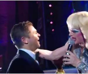 Neil Patrick Harris embrasse son fiancé aux Tony Awards 2014