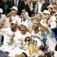 NBA 2014 : Tony Parker et Tim Duncan fêtent le sacre des Spurs de San Antonio