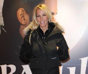 Ophélie Winter en duo avec Sébastien Patoche sur le titre 'Look D'enfer'