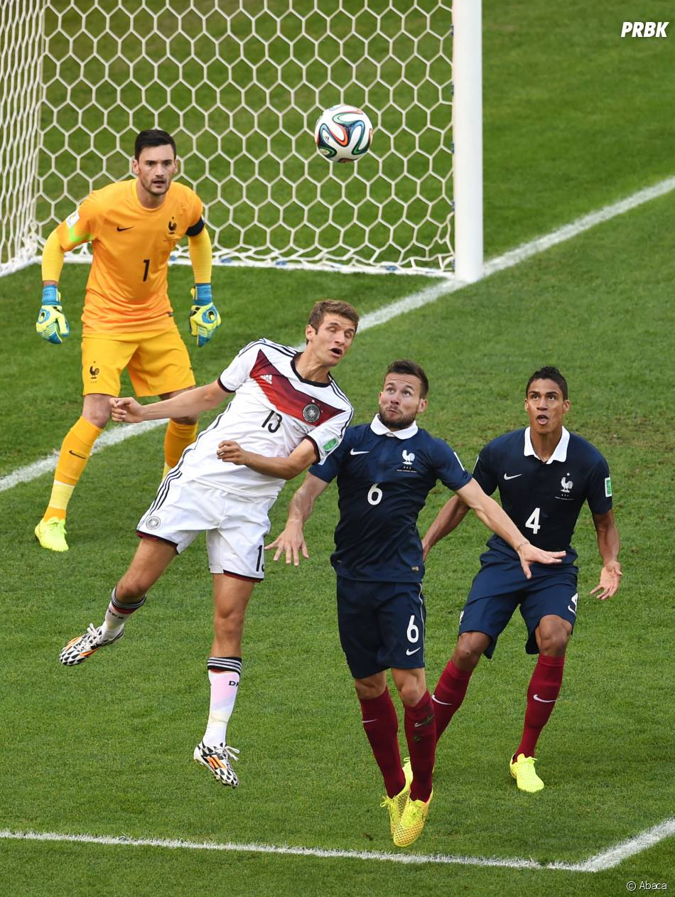 Duel aérien durant le match France - Allemagne en quart de finale de la Coupe du Monde 2014, le 4 juillet 2014