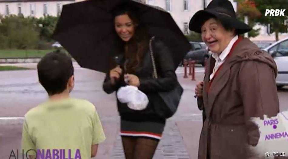 Allo Nabilla : Nabilla Benattia avec Mémé Livia et un fan
