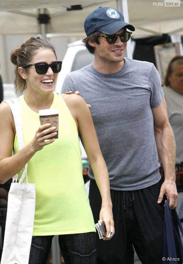 Ian Somerhalder et Nikki Reed en couple ? (ici repérés ensemble au marché de Los Angeles, le 20 juillet 2014)
