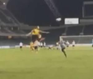 Zlatan Ibrahimovic : son but marqué d'une aile de pigeon en entraînement, le 28 juillet 2014