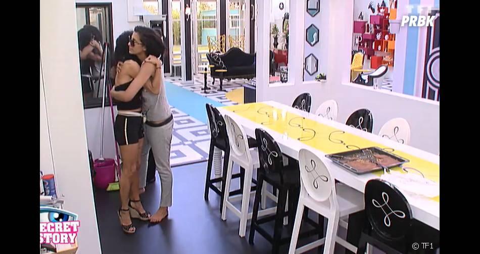 Elodie réconforte Nathalie dans Secret Story 8