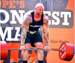 Hafthor Julius Bjornsson : La Montagne de Game of Thrones en plein effort pendant le concours de l'homme le plus fort d'Europe
