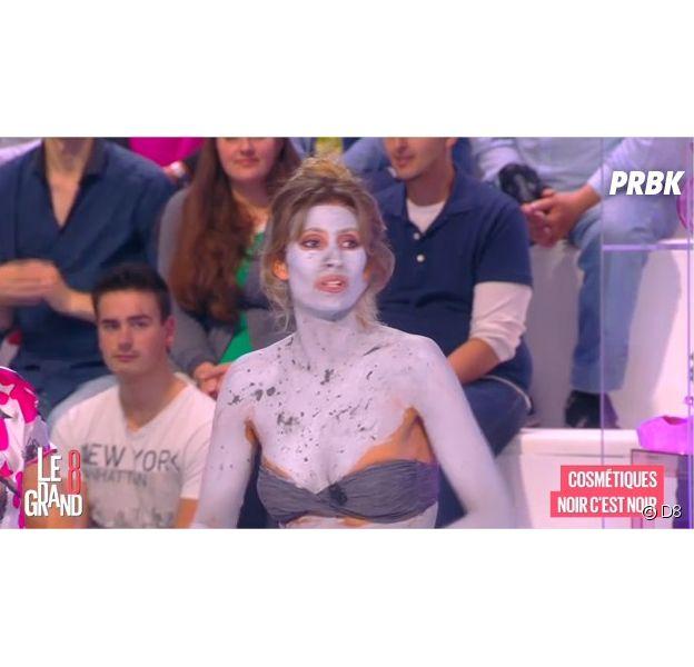 Caroline Ithurbide en bikini dans le Grand 8, le 1er septembre 2014