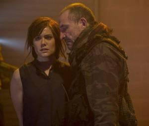 Blacklist saison 1 : Lizzie prise en otage par Anslo Garrick dans l'épisode 10