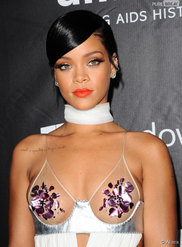 Rihanna sexy au gala de l'amfAR à Los Angeles, le 29 octobre 2014