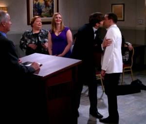 Mon Oncle Charlie saison 12 : Ashton Kutcher marié à Jon Cryer