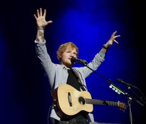 Ed Sheeran, en live aux MTV EMA 2014 à Glasgow, le 9 novembre 2014