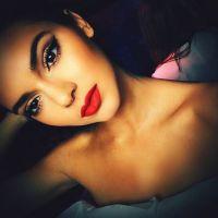 Kendall Jenner à moitié nue pour jouer la mère Noël : son shooting le plus hot ?