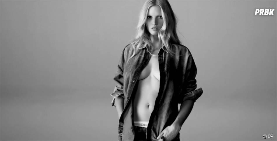 Lara Stone dans une publicité vidéo pour Calvin Klein