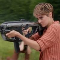 Divergente 2 : Tris, Quatre et les autres s'affichent dans une série d'affiches