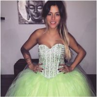 Anaïs Camizuli en robe de mariée (étonnante) sur Instagram
