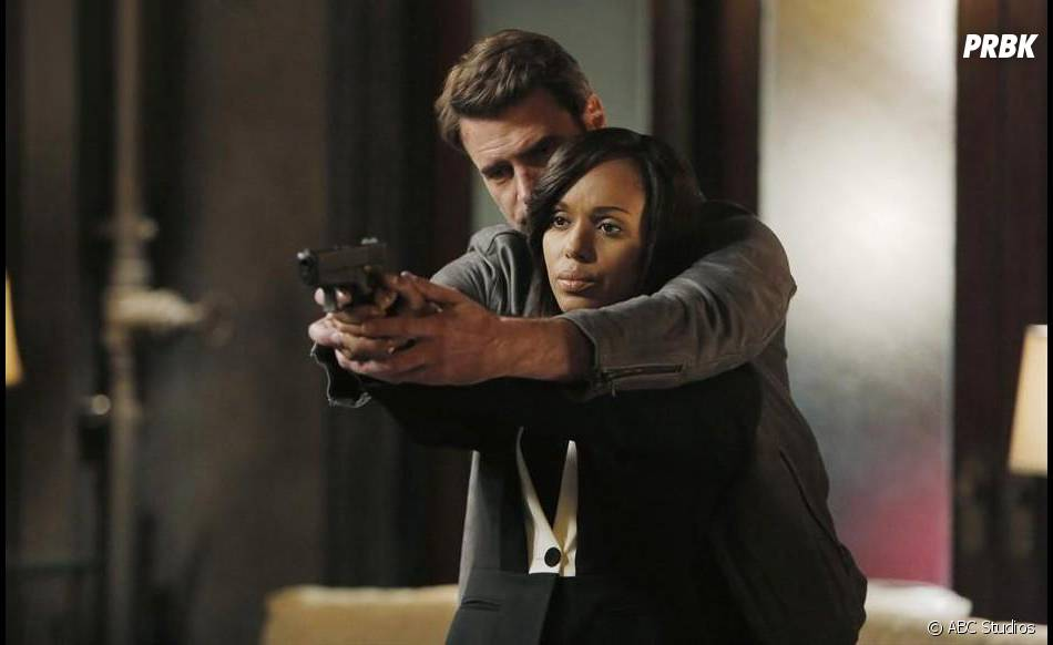 Scandal saison 4 : Kerry Washington (Olivia) et Scott Foley (Jake) sur une photo