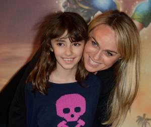 Cécile de Ménibus et sa nièce sur le tapis rouge de Clochette et la Fée Pirate, le 25 mars 2014