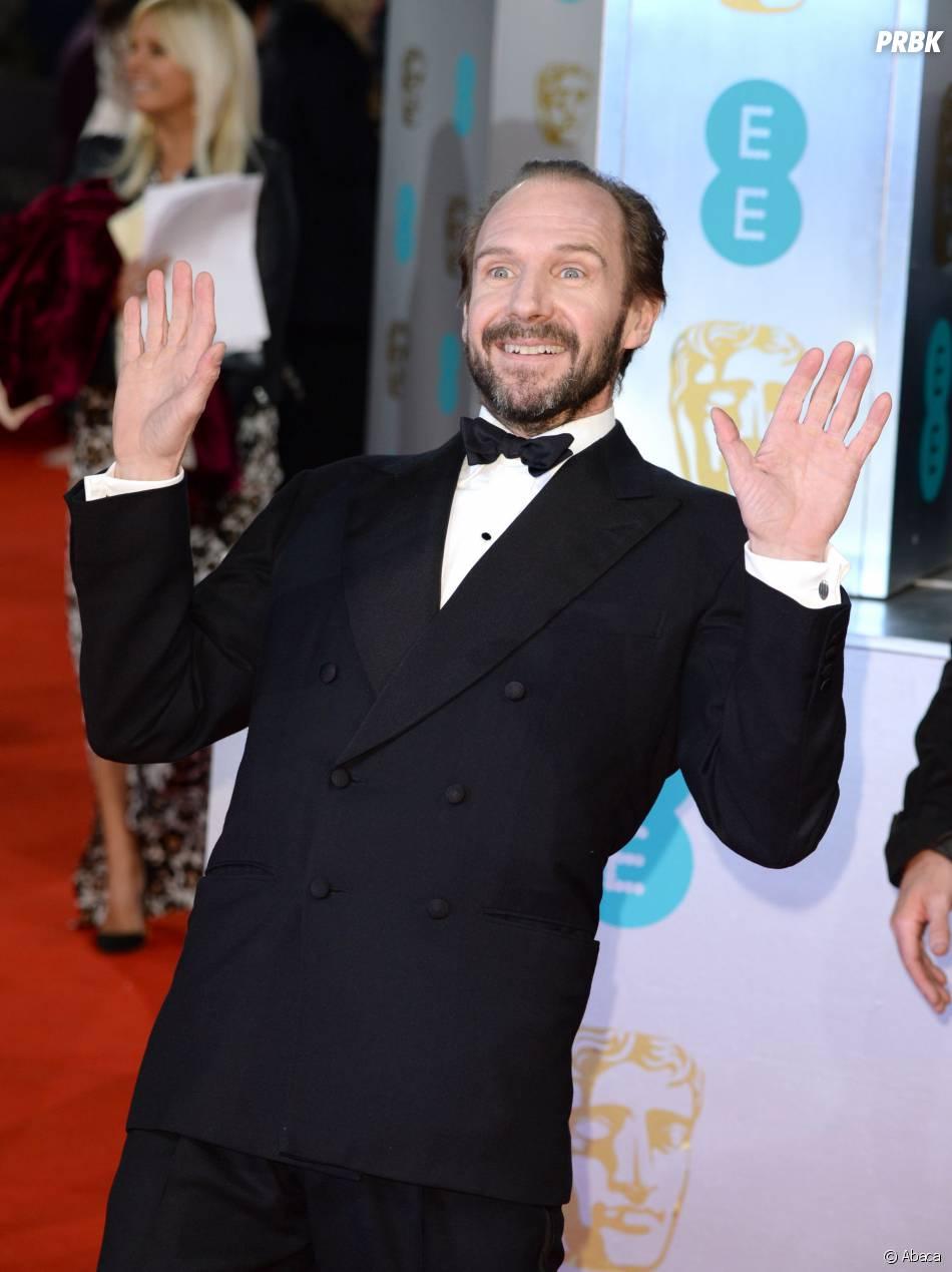 Ralph Fiennes sur le tapis-rouge des BAFTA le 8 février 2015 à Londres