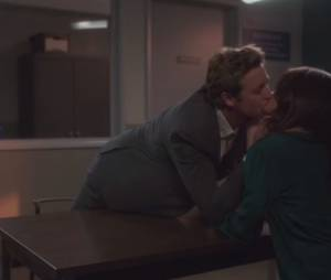 Mentalist : bisou entre Jane et Lisbon