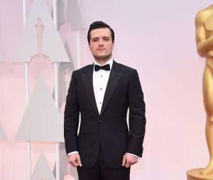 Josh Hutcherson sur le tapis rouge des Oscars 2015