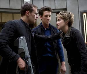 Divergente 2 : Theo James, Miles Teller et Shailene Woodley sur une photo