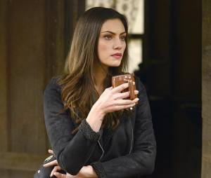 The Originals saison 2, épisode 16 : Phoebe Tonkin sur une photo