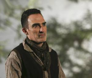 Once Upon a Time saison 4, épisode 18 : l'Auteur sur une photo