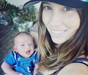 Justin Timberlake dévoile une photo de son fils, Silas, et de Jessica Biel