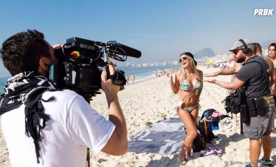 Amélie Neten en bikini sur le tournage des Anges 7