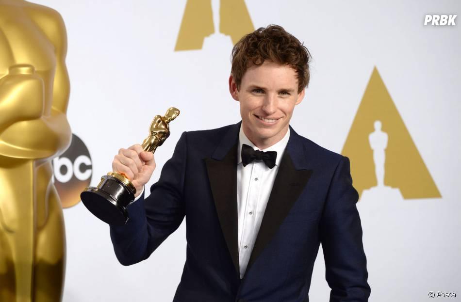 Eddie Redmayne lors de la cérémonie des Oscars 2015