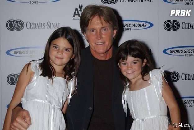 Kylie Jenner, Kendall Jenner et Bruce Jenner lors d'une soirée en 2003