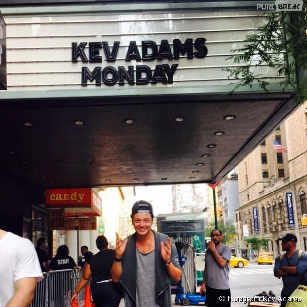 Kev Adams : succès à New York pour son Voilà Voilà Tour, il remercie ses fans
