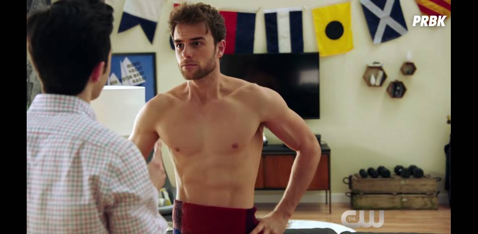 Significant Mother : Nathaniel Buzolic (The Vampire Diaries) se dévoile dans le teaser