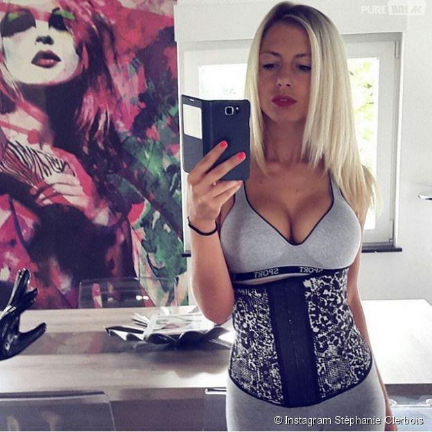 Stéphanie Clerbois dévoile sa gaine sur Instagram
