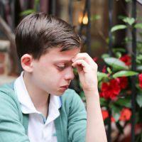 Un enfant homosexuel en larmes émeut Facebook... et se fait consoler par Hillary Clinton