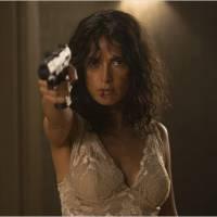 Everly : Salma Hayek sexy et badass dans un film sanglant