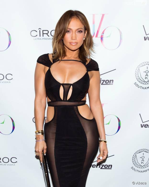 Jennifer Lopez sexy pour fêter ses 46 ans à New York, le 25 juillet 2015