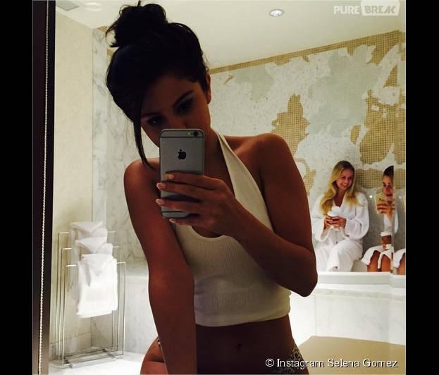 Selena Gomez sexy en culotte sur Instagram