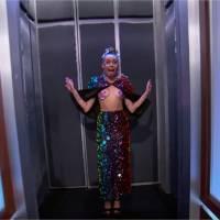 Miley Cyrus seins nus à la télévision : elle milite pour la libération des tétons