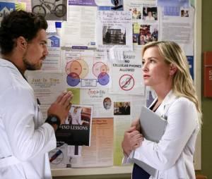 Grey's Anatomy saison 12, épisode 1 : Giacomo Gianniotti et Jessica Capshaw sur une photo