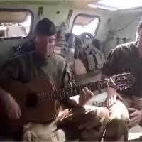 Ces deux soldats français racontent leur quotidien au Mali en chanson : leur vidéo fait le buzz