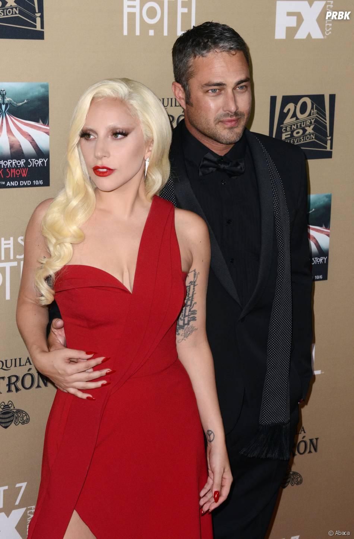 Lady Gaga et Taylor Kinney en couple à l'avant-première de American Horror Story : Hotel à Los Angeles le 3 octobre 2015