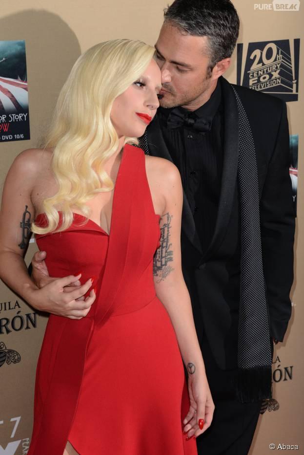 Lady Gaga et Taylor Kinney amoureux à l'avant-première de American Horror Story : Hotel à Los Angeles le 3 octobre 2015